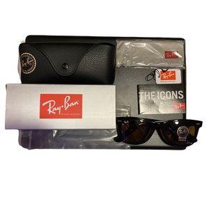 NWT Rayban Wayfarer Tortoise Sunglasses 50mm